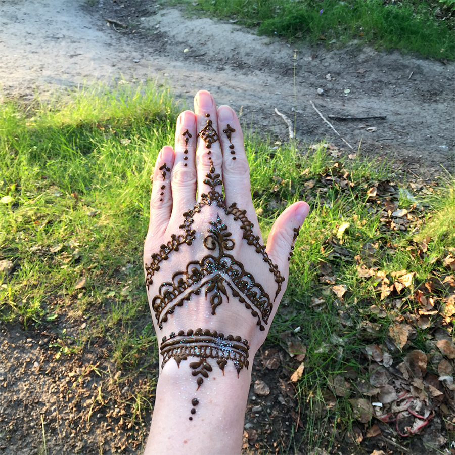Getting Henna done