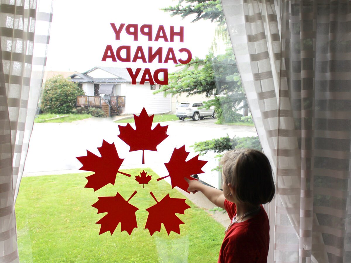 Canada Day Window Decorations